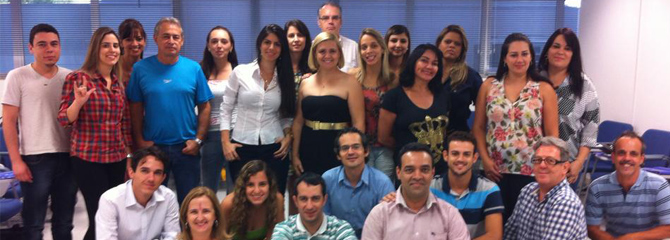 Treinamento em LIBRAS – Língua Brasileira de Sinais.